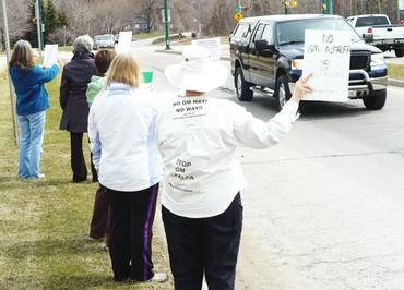 Info Picket in Barrie Ontario!