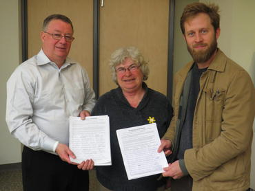 Petition presented to MP Malcolm Allen