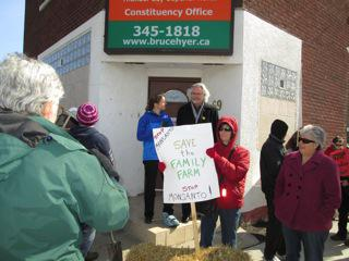 Petitions Presented to MPs, Thunder Bay ON