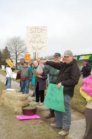 Stratford Farmers Say No